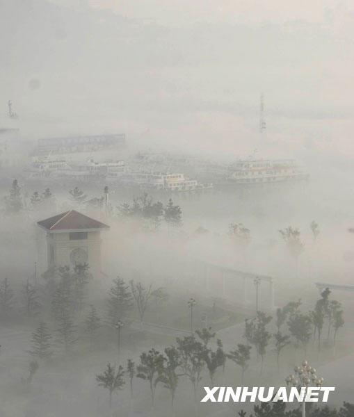 山东威海出现平流雾特有天气现象
