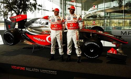 """迈凯轮车队的""""未来"""" 全新mp4-24赛车发布"""