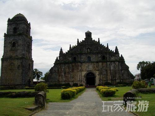 大家都知道,菲律宾是一个非常美丽的群岛国家,海水云天,湖光山色,风景