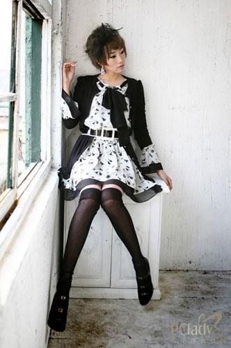 蓬蓬裙搭配高跟鞋,有小公主的甜美感觉 小可爱的mm们就最适合蓬蓬裙