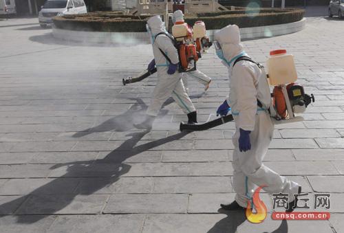 商丘市斑马应急救援队为市区多家单位进行免费消杀