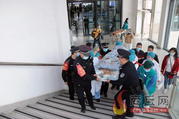 14岁少年脑出血危在旦夕 警医联动打通民权至郑州生命通道